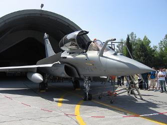 Brasil anunció este lunes su decisión de abrir las negociaciones para la compra de 36 aviones de...