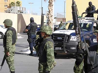 Previamente, los militares habían advertido de que más de 3,000 mercenarios de la familia Ampatuan...
