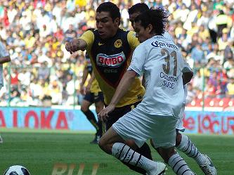 El partido iba a quedar sentenciado al minuto 84 después que el paraguayo Salvador Cabañas fuera...