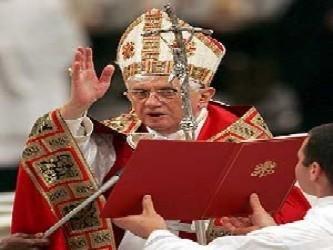 """Maiolo, precisó Lombardi, expresó al Papa su """"pesar"""" por lo ocurrido y le pidió perdón, y..."""