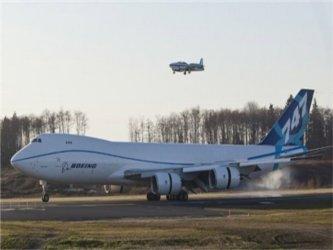 Boeing afirma que el nuevo avión, el más grande fabricado hasta ahora por esa empresa, tiene una...