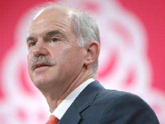 """""""Queremos una solución europea, no queremos recurrir al FMI"""", declaró Papandreu luego de..."""
