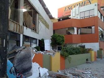 Las autoridades de Baja California instalaron cuatro albergues para recibir a los damnificados y...