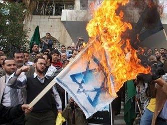 Tras el primer ataque, en el que fueron asesinados cuatro colonos, el Ministerio de Interior...