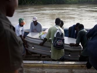 Sin embargo, nuestro país en este instante está inmerso en una batalla contra el cólera en Haití,...