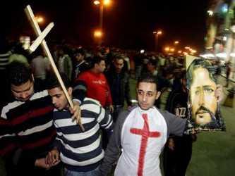 Los enfrentamientos se produjeron al margen de una manifestación de varios cientos de personas que...