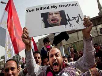 """""""Pienso que hubo un intento de la gente de Gadafi con el Consejo Nacional provisorio. Fue..."""