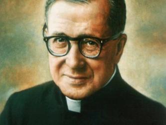 Monseñor Escrivá de Balaguer se había preparado en la Universidad y siempre se ha sentido...