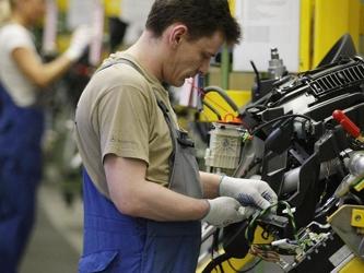 La producción industrial de la mayor economía de Europa creció un 1.6% en enero, en comparación con...
