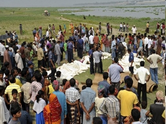 Los accidentes de transbordadores son un hecho común en Bangladesh, una nación de 160 millones de...