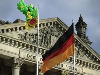 """""""Teniendo en cuenta la difícil situación económica en algunos países de la zona euro y la..."""