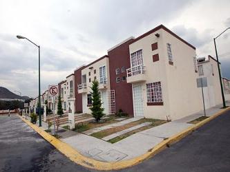 El directivo explic� que a partir del fallo en los tribunales, el Infonavit retendr� el pago de los cr�ditos que originan las constructoras con la venta de sus viviendas.