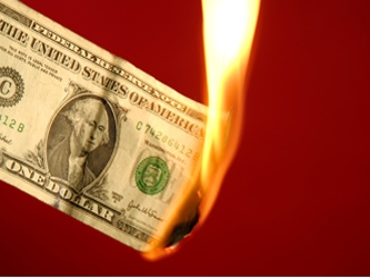Los legisladores también deben elevar el techo de endeudamiento en las próximas semanas para evitar...