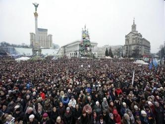 Putin obtuvo permiso de su Parlamento el sábado para usar la fuerza militar para proteger a los...