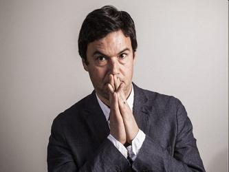 ¿Qué tan radical es Piketty? En realidad, no mucho. Con su acento, erudición fácil, camisa...
