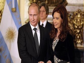 El hecho de que Putin eligiera a Cuba para iniciar la actual visita puede ser visto como una...