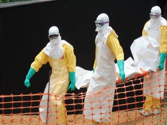La epidemia letal ha matado a más de 3.400 personas desde que apareció en África Occidental en...