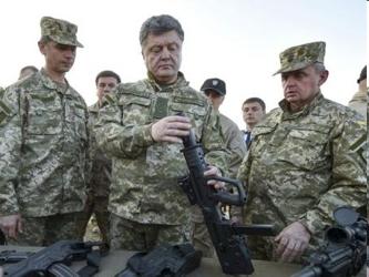 Los rebeldes han estado tratando durante semanas de expulsar a las tropas del aeropuerto, un punto...