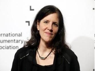La cineasta estadounidense Poitras compartió el premio Pulitzer este año por su papel en la...