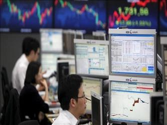 En Japón, el índice Nikkei de la bolsa de Tokio rompió la tendencia y subió un 0,6 por ciento...
