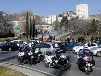 Las tropas de elite fueron enviadas al lugar tras el incidente en el lado norte de la ciudad y a...