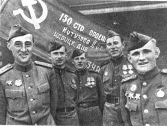 A las tres semanas, los invasores habían penetrado 600 kilómetros dentro de la URSS y conquistado...