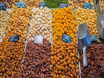 Así, una dieta que contenga alimentos antioxidantes podría proporcionar protección contra estas...