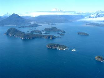 La mandataria explicó que también se creó una área marina costera protegida y una red de parques...