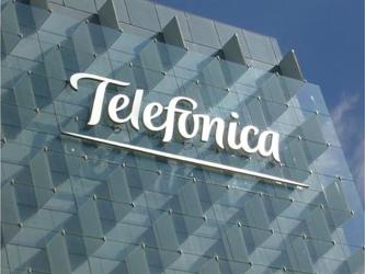 La empresa, que ocupa el segundo lugar en el mercado de telefonía móvil de México después de...