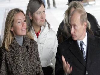 A su hija Katerina le está yendo considerablemente mejor, ya que cuenta con el apoyo de varios de...