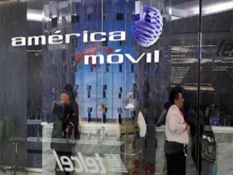 América Móvil, propiedad del magnate Carlos Slim y que controla el 70 por ciento de las líneas...