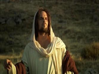 En el nombre de Jesús obtenemos toda bendición y gracia en el tiempo y la eternidad, pues Cristo...