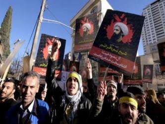 Manifestantes que protestaban contra la ejecución del clérigo Nimr al-Nimr irrumpieron en el...