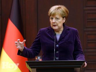 Merkel expresa asimismo sus condolencias a las familias de los fallecidos y sus deseos de un...
