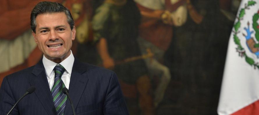 Peña, quien está a mitad de su mandato de seis años, dijo que una retórica como la de Trump fue la...