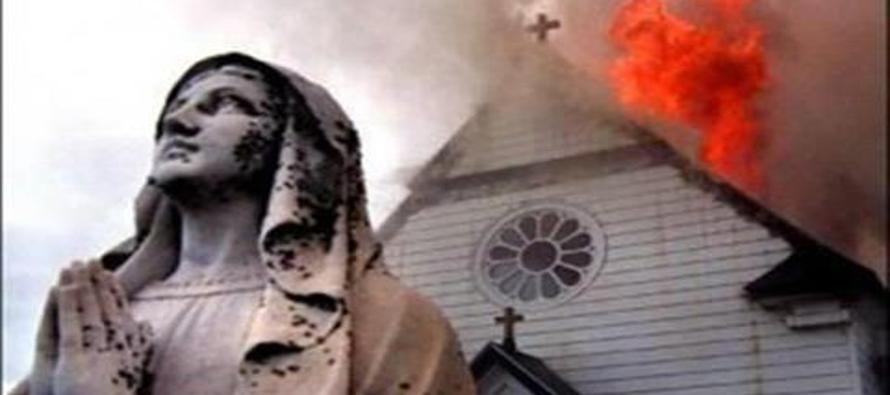 Algunos preferirían ver a los cristianos suplicando que les perdonen la vida, o los impuestos,...