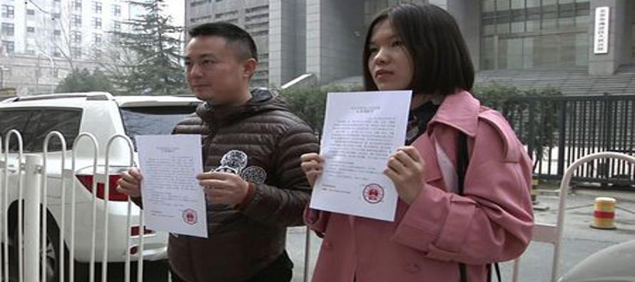 La decisión de casarse en China ha sido tradicionalmente una asunto familiar en el que los padres...