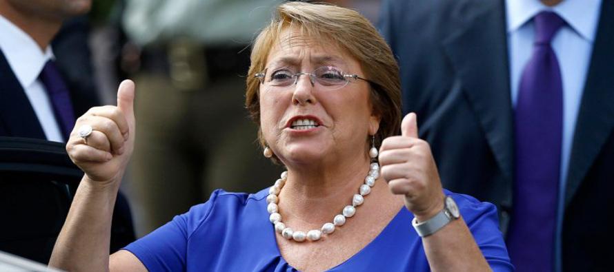 Presidenta chilena Bachelet dice Gobierno buscar� opciones tras duro golpe a reforma laboral