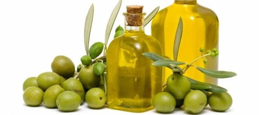En la antigüedad las mujeres ya aprovechaban las cualidades del aceite de oliva, aplicando en...