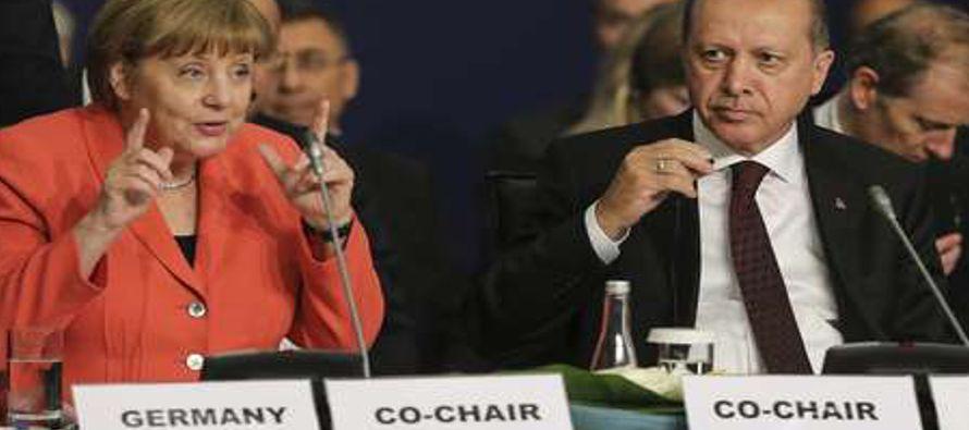 Uni�n Europea y Turqu�a se piden mutuamente cumplir acuerdo migratorio