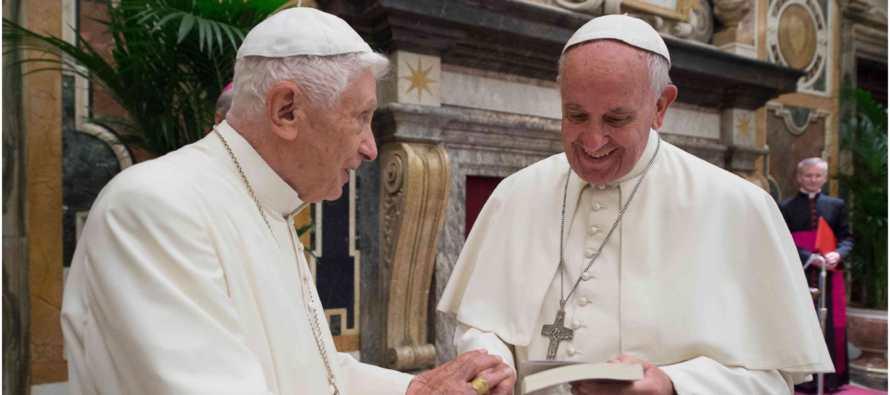Francisco celebra el 65 aniversario de la ordenaci�n de Benedicto XVI