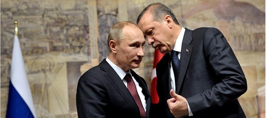 Rusia ignora la involuci�n democr�tica y renueva las relaciones con Turqu�a