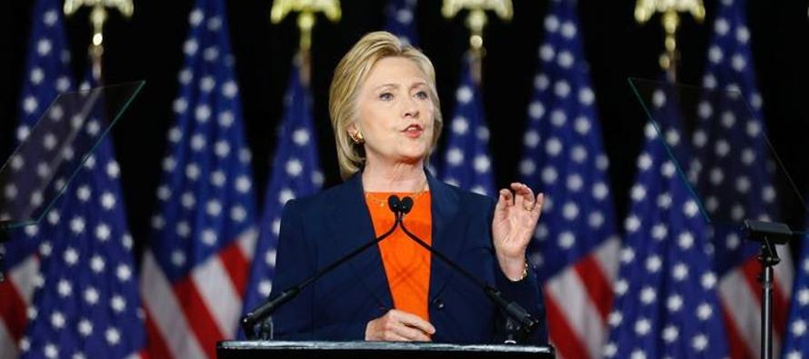 Clinton, quien fue formalmente elegida el martes como la candidata demócrata, ha tenido problemas...