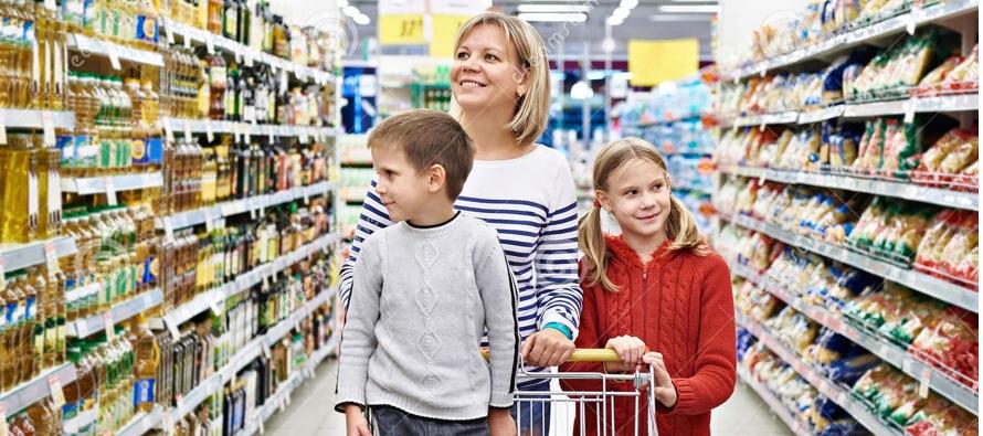 Con ocasión del Día Internacional de la Juventud, que se celebra este viernes, ambos indagaron en los efectos de la publicidad para niños y determinaron que ésta puede inducir a comportamientos insanos y a responder a estímulos para comprar productos inne