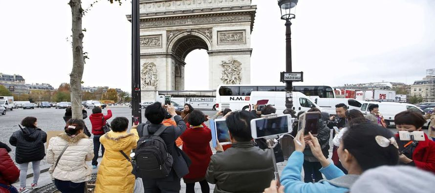 Responsables de turismo en Par�s piden plan de rescate tras ataques que espantan a visitantes