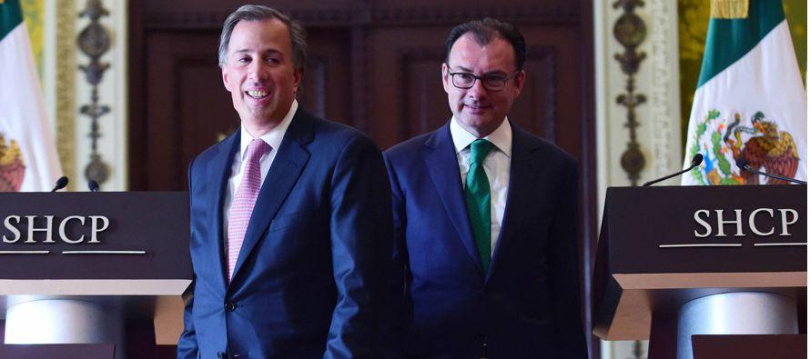 Con más tablas en estas artes y muchísima menos insolencia que Luis Videgaray, el nuevo secretario...