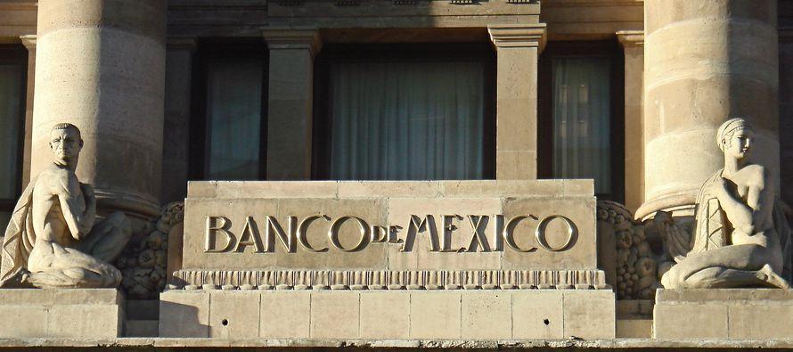El banco central de México efectuaría un incremento más en su tasa de referencia en diciembre,...