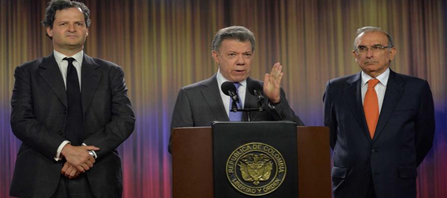 El Nobel de la Paz reconoció hoy en Oslo al presidente de Colombia, Juan Manuel Santos, por sus...