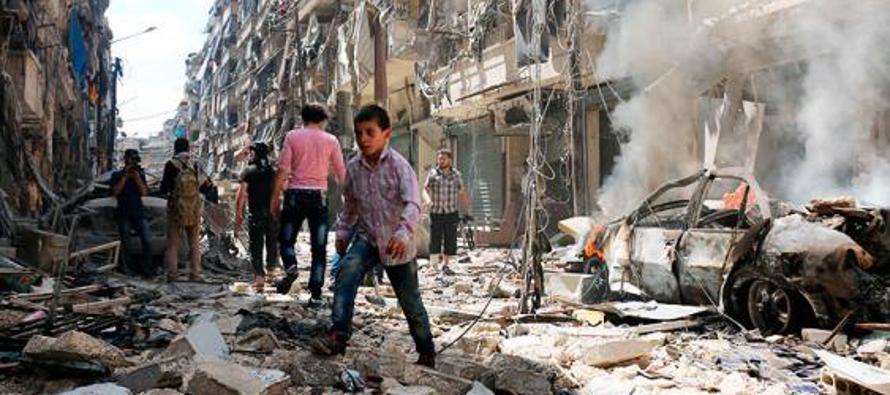 Tanto Moscú como Damasco afirman que los bombardeos son contra organizaciones terroristas, pero el...
