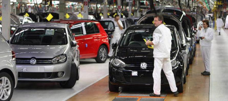Volkswagen afirmó que decenas de miles trabajadores de la generación de la década de 1950 y 1960 se...